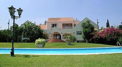 מגניב ביותר למכירה: בית במושב עם נוף ירוק SV-85