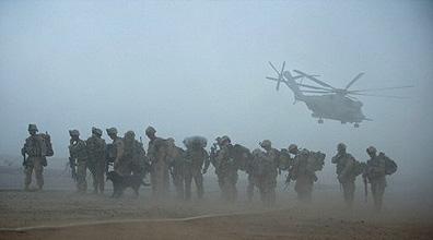 חיילים אמריקנים במחוז הלמנד (צילום ארכיון: AFP)