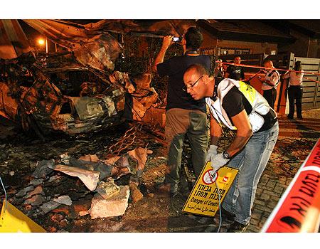 Yossi Shoshan's car after Grad hit