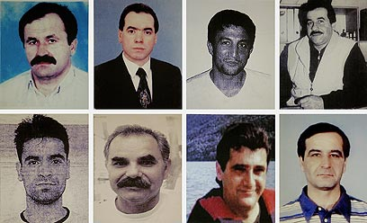 שמונה טורקים ויווני. קורבנות תא הטרור (צילום: AFP, HO POLICE)