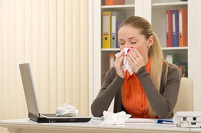 כבו את המזגן במשרד לפני שהמחלה תוקפת (צילום: shuttersock )