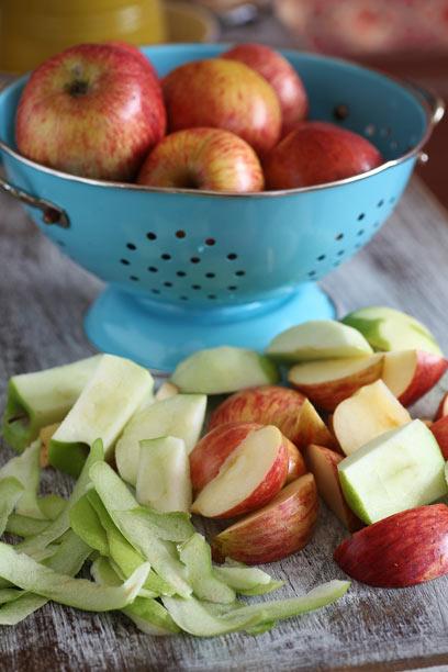 תפוחים מתוקים וחמצמצים, אך האם הם מקומיים? (צילום: אסף רונן )