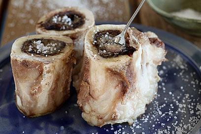 לאכול עם כפית - מח עצם (צילום: אסף רונן )