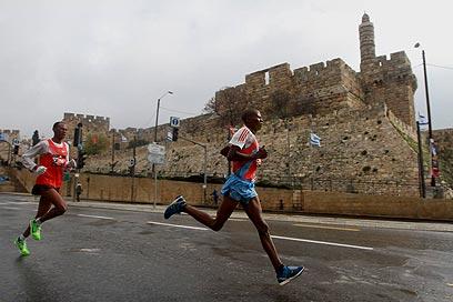 15 אלף משתתפים מ-50 מדינות. מרתון ירושלים, הבוקר (צילום: גיל יוחנן)