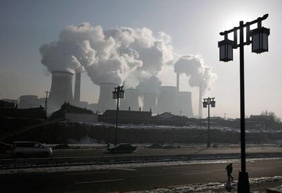 תחנות כוח בסין - הפכה מאז הסכם קיוטו לפולטת מרכזית (צילום: רויטרס)