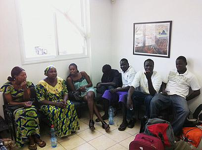 עובדים זרים במעצר באילת (צילום: באדיבות רשות האוכלוסין וההגירה)