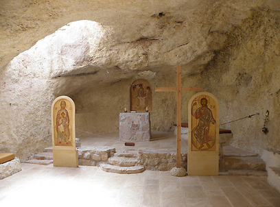 מערת התפילה של הנזירים. מבדד נטופה בהררית (צילום: דר' ירון זפרן)