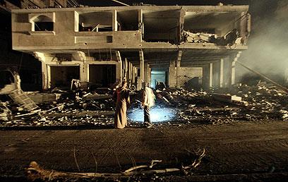 עשרה פלסטינים נהרגו (צילום: EPA)
