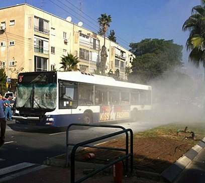 האוטובוס לאח הפיצוץ (צילום: גל סבג)