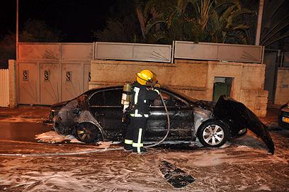 נשרפה כליל. מכוניתו של חיים אביטן (צילום: ג'ורג' גינסברג)