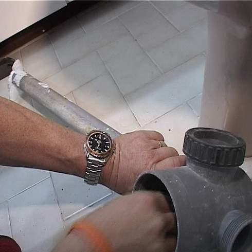מתוחכם נמאס מנזילות מים? כך תבחרו צנרת חדשה RS-15