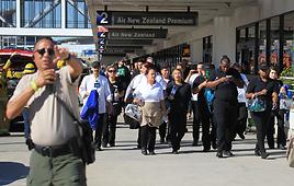 הפינוי משדה התעופה (צילום: AP)