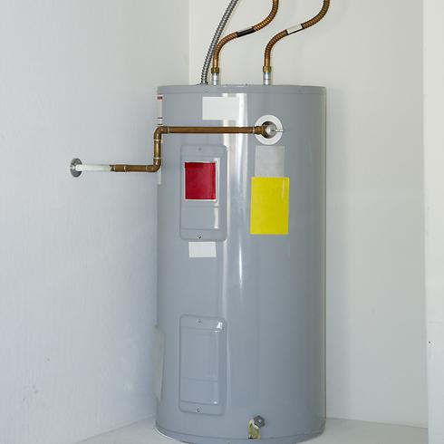 עדכני מקלחת חמה: דוד חשמל, גז, או שמש? GN-45