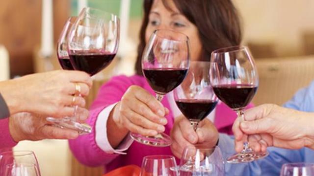Image result for חתונה ישראלית שותים יין