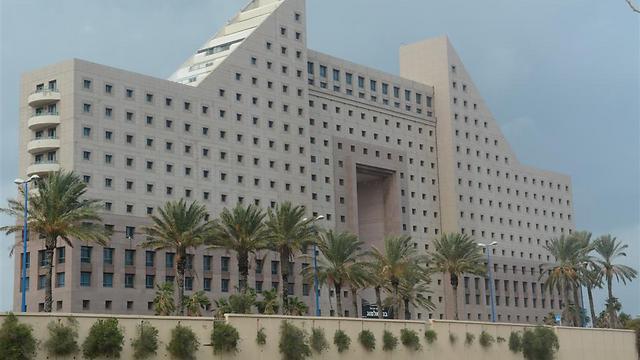 מתקדם איכס ועיר הנמל: 10 המבנים המכוערים בחיפה SB-23