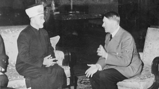 Meeting between the mufti and Hitler in November 1941 (Photo: Heinrich Hoffman)