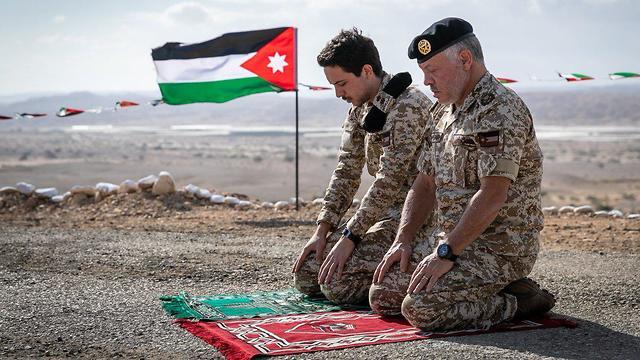 מלך ירדן ובנו ביקרו בצופר והתפללו שם