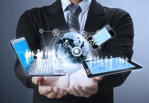 מתחברים לאינטרנט מהיר (צילום: Shutterstock)