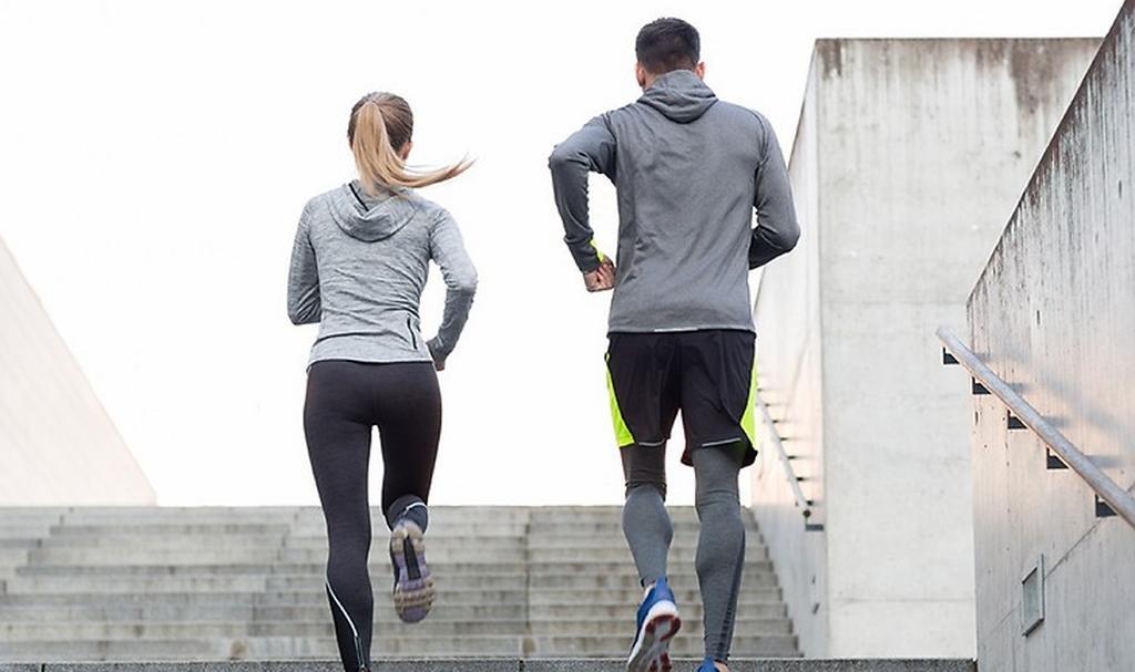 פעילות גופנית: עד 500 מטר, ביחידים או בזוגות ()