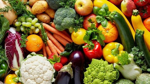ירקות ופירות צבעוניים (צילום: shutterstock)