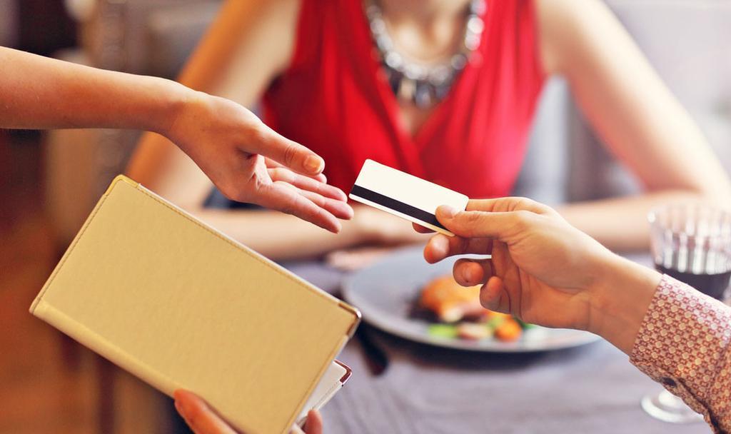כרטיס אשראי מסעדה טיפ אילוסטרציה  (צילום: shutterstock)