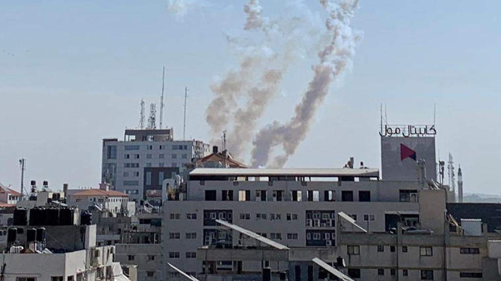 Rocket fire launched from the Gaza Strip  (Photo: Reuters)