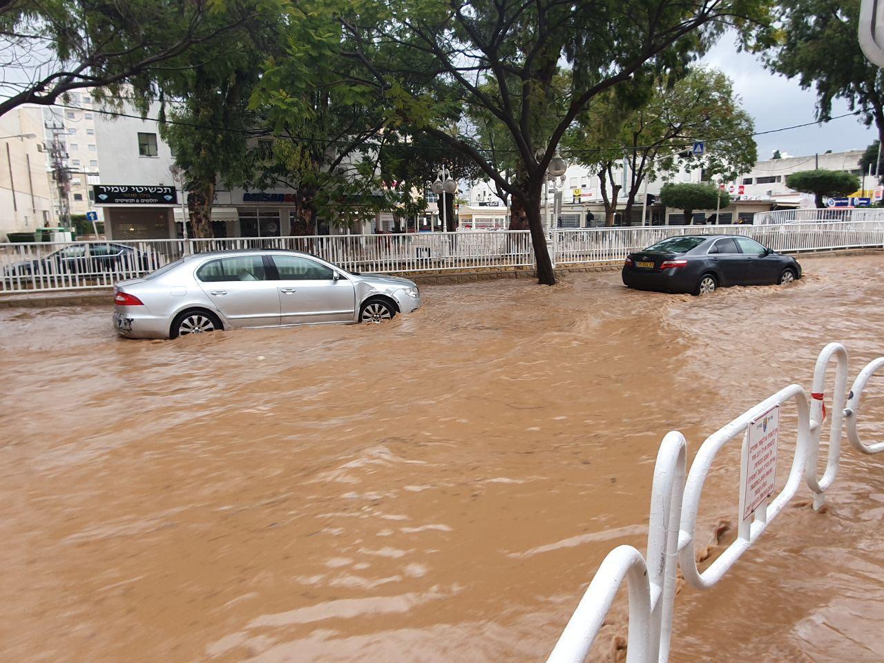 Floods in Nahariya  (Photo: Ahiya Raved)