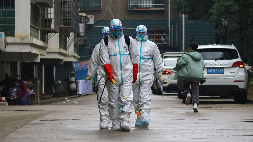 Chinese health workers in the city Wuhan (Photo: AFP)