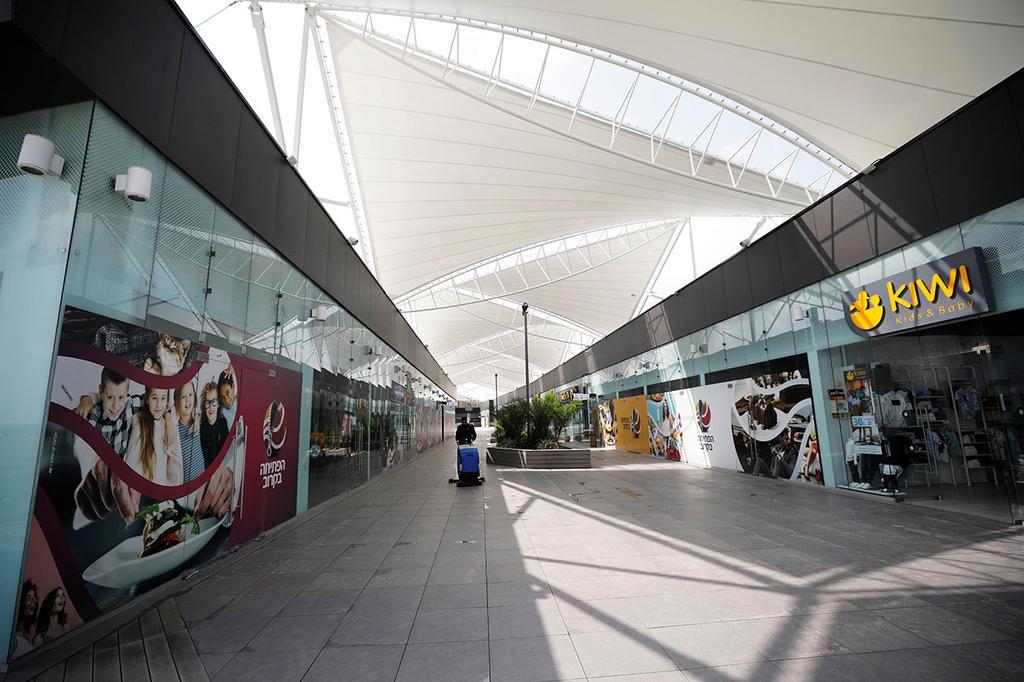 מרכז קניות קניון ריק ליד אשקלון השבתה נגיף קורונה (צילום: רויטרס)