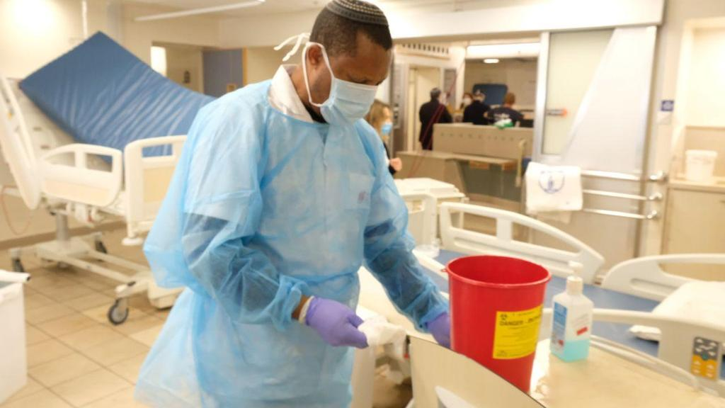 Ichilov Hospital prepares a special ward for coronavirus patients  ()
