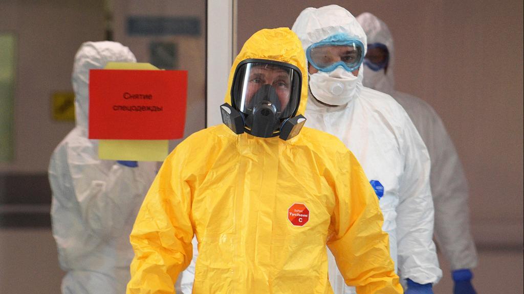 Путин посещает больных коронавирусом. По словам Пескова,