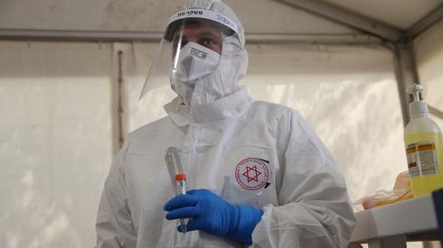 Анализы на коронавирус в Иерусалиме. Фото: Алекс Коломойский ()