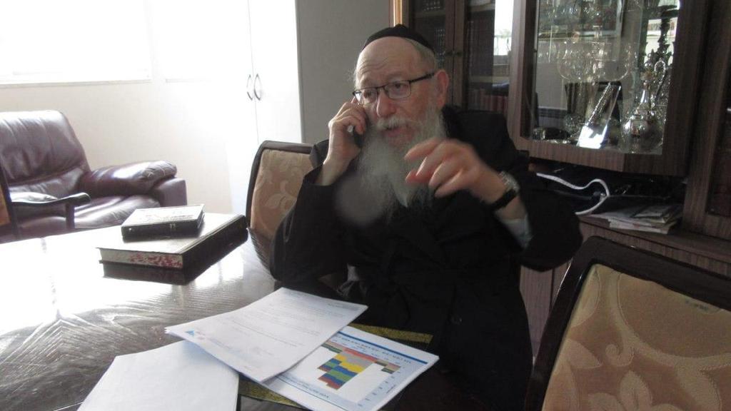 Министр здравоохран   Яаков Лицман в домашнем карантине ()
