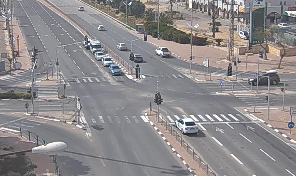 למרות הנחיות משרד הבריאות- הכבישים בישראל מלאים ברכבים (צילום: נתיבי ישראל)