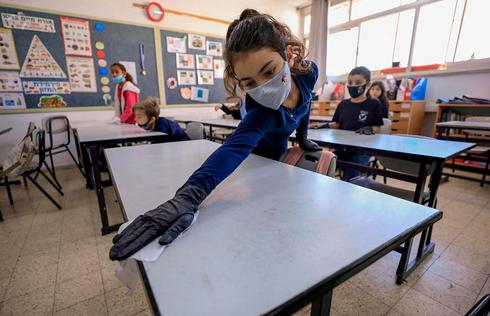 Returning to school in Mevaseret Zion  ()