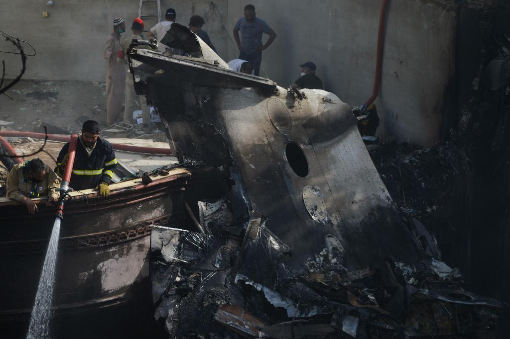זירת ההתרסקות (צילום: AFP)