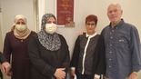 """הסבתא הפלסטינית בחדר על שם הרוג צוק איתן: """"לא האמנתי שיבואו לפה מעזה"""""""